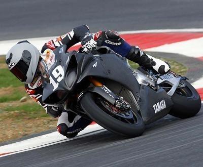 Superbike - Yamaha: Spies et son nombre 19