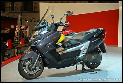 Salon de Milan 2008 : Kymco Agility RS 125, Quannon Naked 125, MyRoad 700i, Downtown 300i, Like 125 & Movie 125