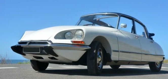 Vidéo- Vente aux enchères Rétromobile 2012 . Les DS ont la cote... jusqu'à 140 000 €