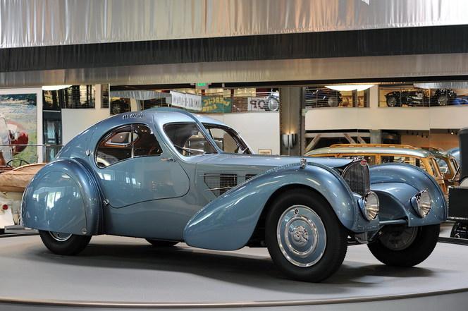 Vidéo - Rétromobile 2012 comme si vous y étiez : la collection Peter Mullin présente une Bugatti de 40 millions de dollars !
