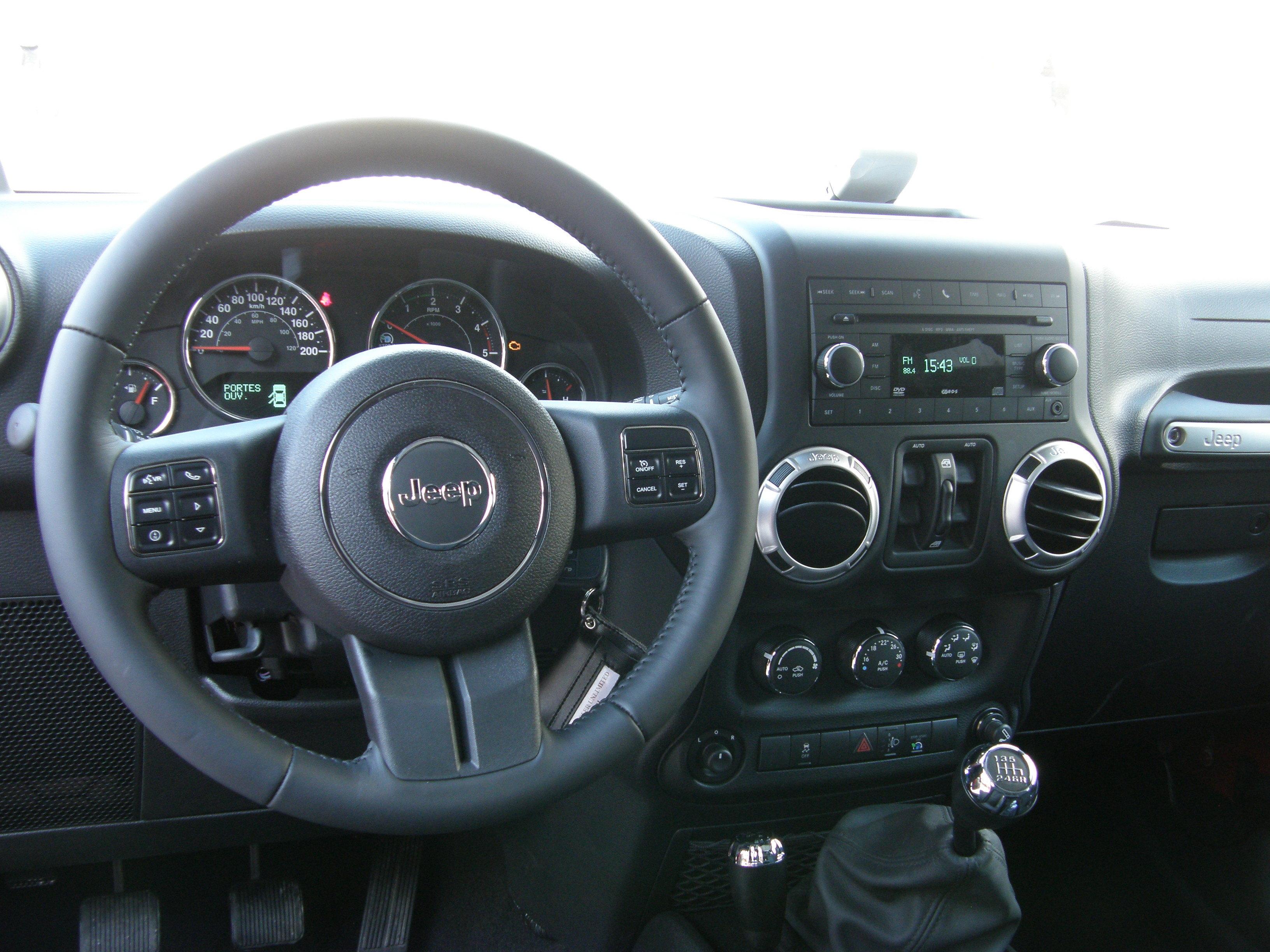 Int rieur revu et quipement la hausse for Interieur jeep
