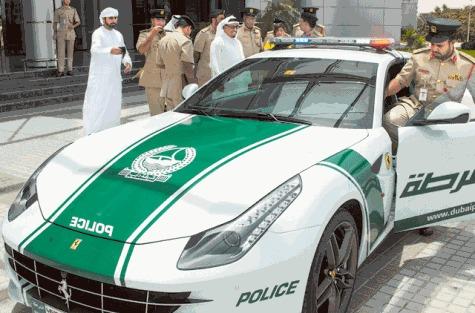 Police de Dubaï : après la Lamborghini Aventador, la Ferrari FF !!