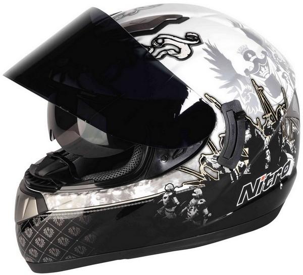 Nouveauté 2010: un casque fibre à prix contenu, le Nitro NSFF Medieval