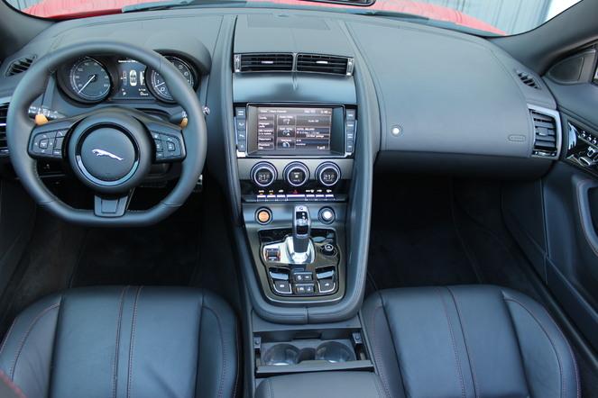 Essai vidéo - Jaguar F-Type : Jag attack