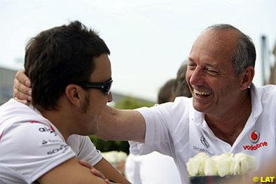 """Formule 1 - Ron Dennis: """"Il n'y a qu'un seul pilote à trouver que nos voitures ne sont pas identiques"""""""