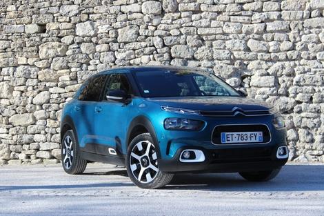 """""""La"""" C4 Cactus après restylage, c'est devenue, dixit Citroën, une berline compacte."""