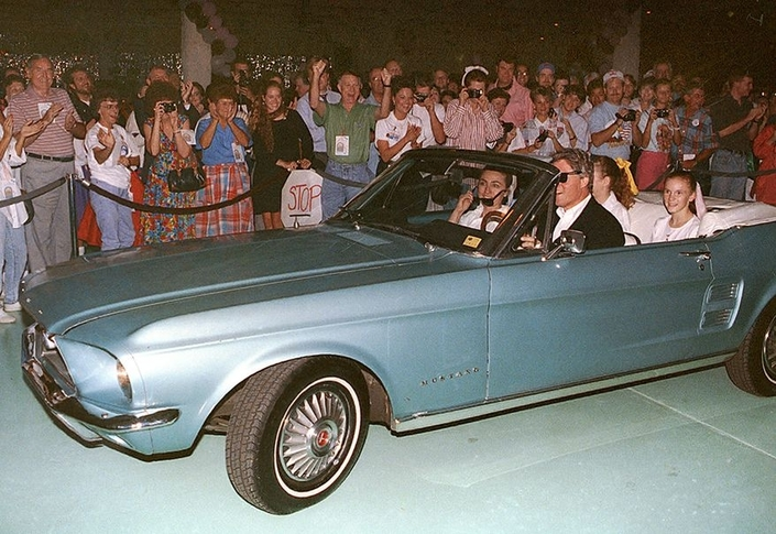 Spécial USA - Petites anecdotes et voitures des différents présidents américains S1-special-usa-petites-anecdotes-et-voitures-des-differents-presidents-americains-651091