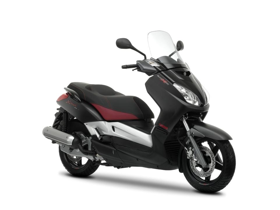 Nouveauté 2009 : Yamaha Black X-Max 125 et 250 cm3 série limitée