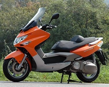 Kymco 500i: Avec un R follement Xciting