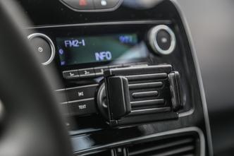 Comparatif – Peugeot 208 VS Renault Clio: un dernier pour la route
