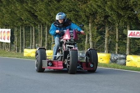 K-Pteron : «Moto» à 4 roues, dont 3 directrices…