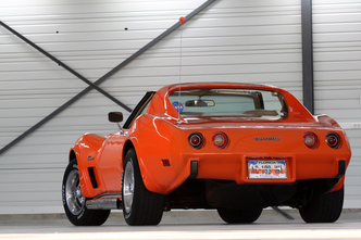 Corvette Stingray Grand Sport on Vid  O   Corvette C3 Stingray 1976 Vs Corvette C6 Grand Sport Coup