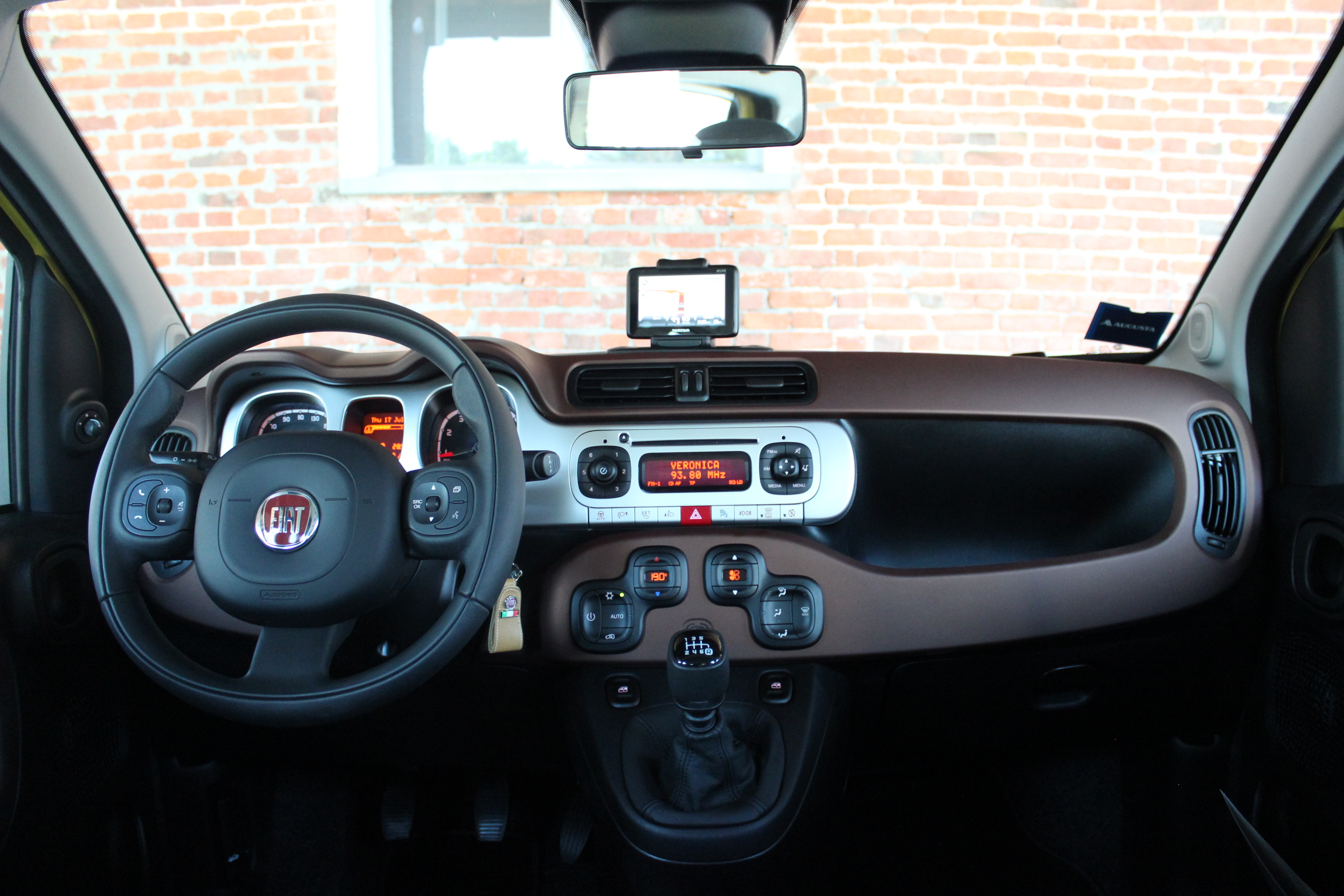 essai fiat panda cross esp ce unique. Black Bedroom Furniture Sets. Home Design Ideas