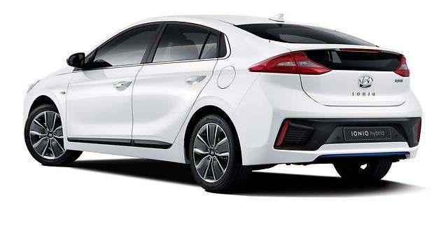 Hyundai Ioniq : premiers clichés et détails officiels