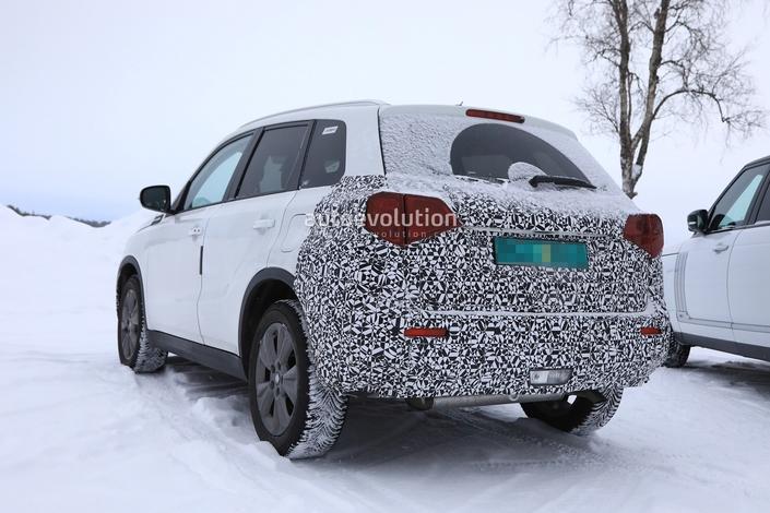 Le Suzuki Vitara restylé en classe de neige