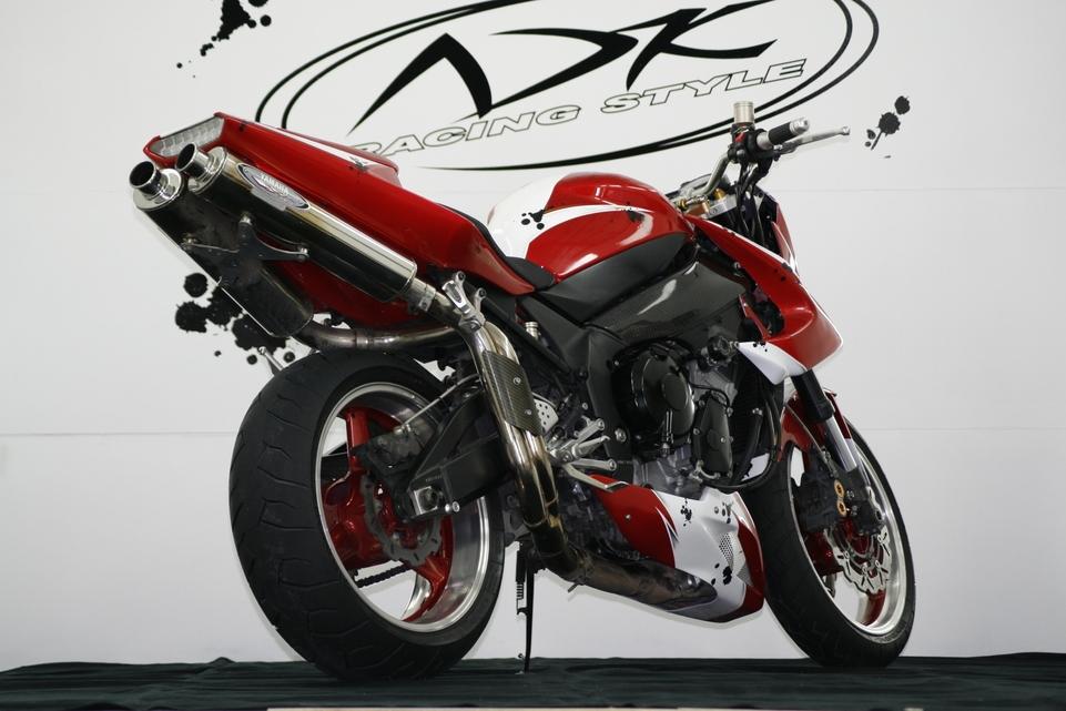 Proto R1 ADK RS par AD Koncept