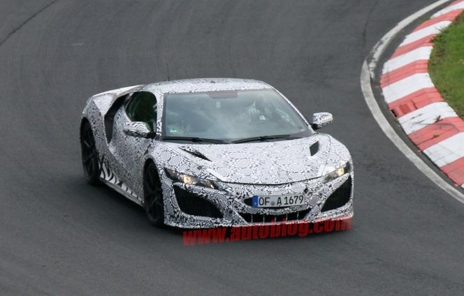 Surprise : la future Honda NSX sur le Nürburgring (ajout vidéo)