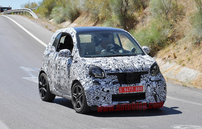 Surprise : la future Smart fortwo Brabus déjà sur la route