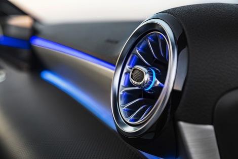 L'éclairage LED laisse le choix entre 64 couleurs!