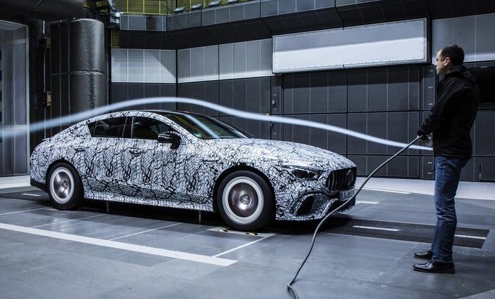 Salon de Genève 2018 - Mercedes-AMG: la berline GTse montre à nouveau