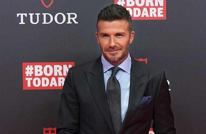 Portable au volant: six mois de suspension de permis pour David Beckham