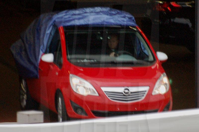 S0-Le-futur-Opel-Meriva-ne-se-cache-meme-plus-146947