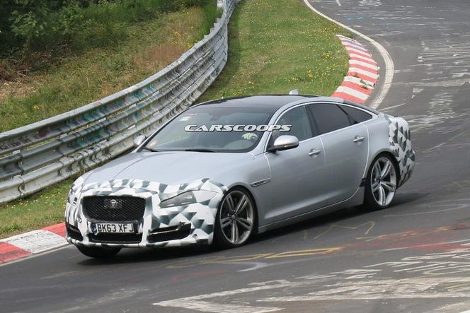 Surprise : la Jaguar XJ restylée se montre sur le Ring