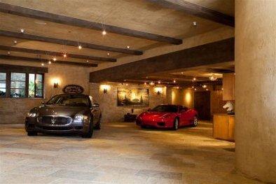 Le plus beau garage ? Peut être pas ...
