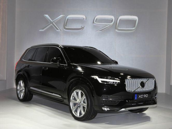 Volvo XC90 (avec 97 % sur la note «protection des adultes» et 100 % pour les systèmes d'aides et de sécurité)