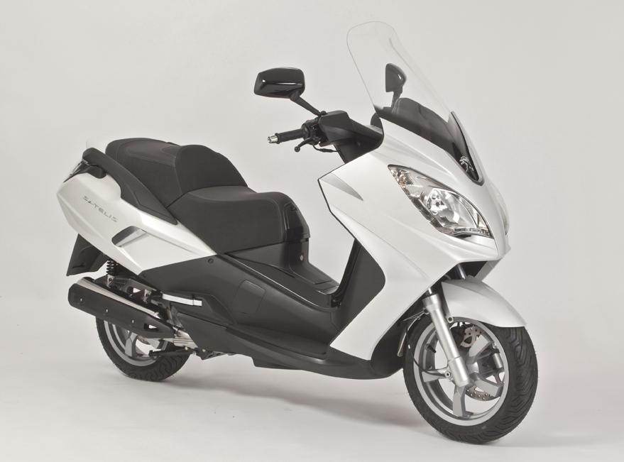 En direct du salon de Milan 2011 - Peugeot : Les Satelis 125i et 300i évoluent en profondeur