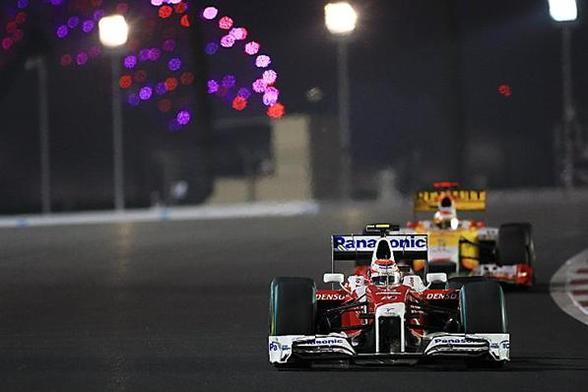 GP d'Abu Dhabi : Vettel inaugure, Webber et Button assurent le spectacle