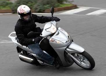 Honda SH 300i: Le best seller se muscle