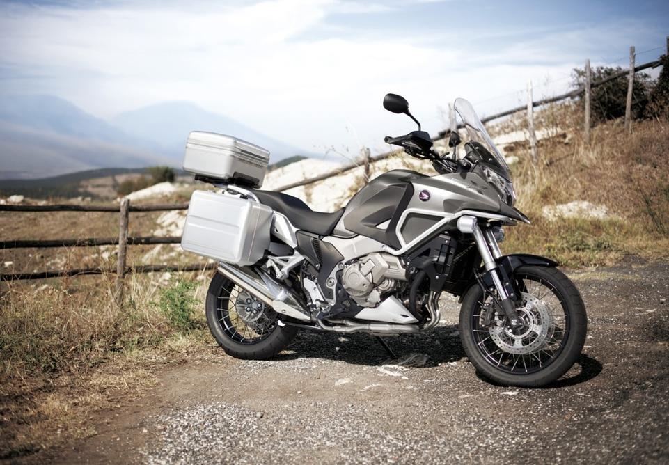 En direct du salon de Milan 2011 - Honda : La VFR 1200X Crosstourer vous invite au voyage