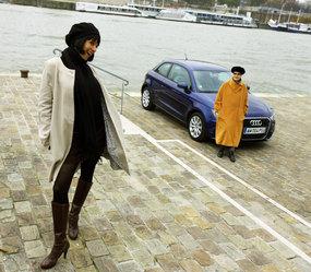 Nos drôles de dames testent la Renault 4L