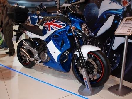 Salon de Birmingham 2008 : La Suzuki SFV 650 Gladius fait tourner les têtes...