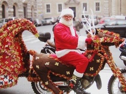 La photo du jour : il est moderne le père Noël