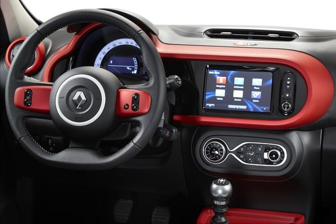 Facebook arrive dans votre Renault