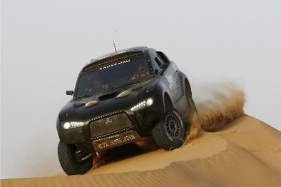 Nouvelle Mitsubishi Racing Lancer: dans le sable et en photos