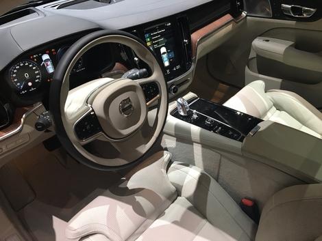 Volvo V60 : V90 en réduction - Vidéo en live du salon de Genève 2018