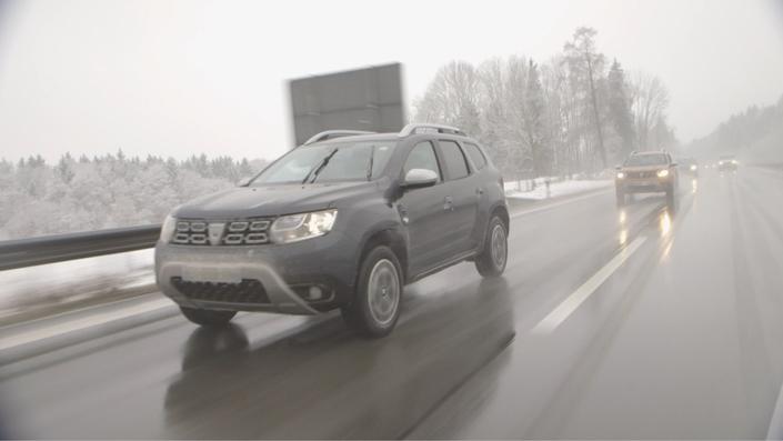 Quelles que soient les conditions météo, le Duster fait preuve d'un comportement routier sécurisant et d'un confort de premier plan. L'insonorisation mécanique n'appelle aucune critique.