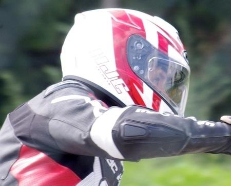 Essai HJC R-Pha ST: quelques gammes de sport dans un monde touring