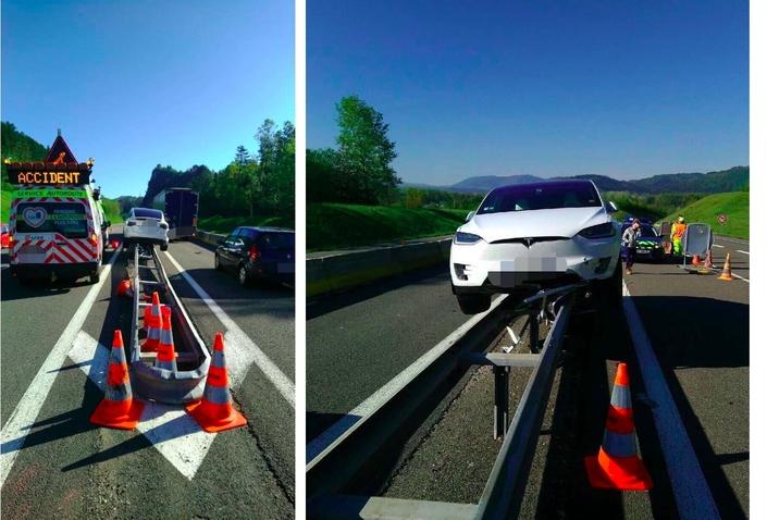 Ain : sa Tesla finit en équilibre sur une glissière de l'autoroute