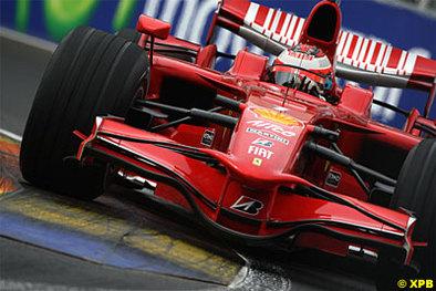 Formule 1 - Ferrari: Raïkkonen au pied du mur