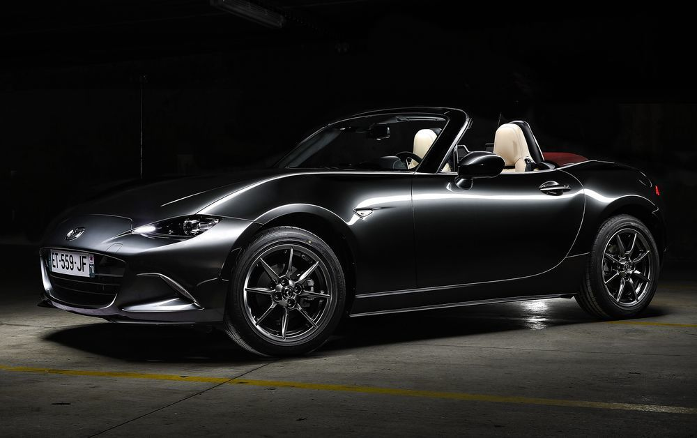 s ries sp ciales mazda mx 5 cherry top. Black Bedroom Furniture Sets. Home Design Ideas