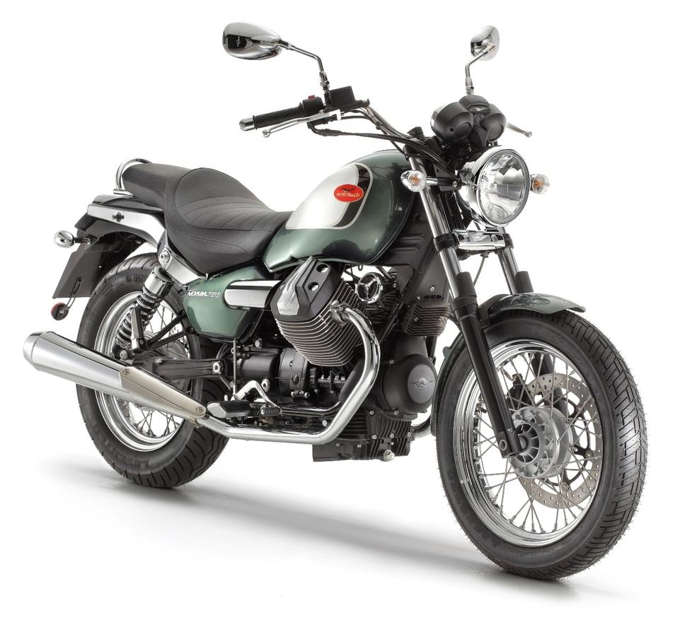 En direct du salon de Milan 2011 - Moto Guzzi : Nouveau moteur pour la Nevada 750
