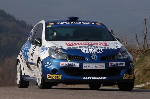 Quasi Officiel : Robert Kubica aux rallyes de Taormina et du Var sur Renault Clio R3