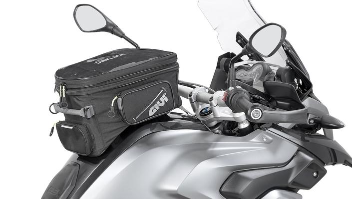 Givi EA 118 : sacoche réservoir pour gros trails