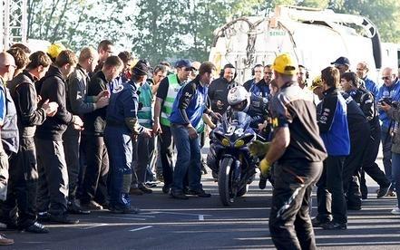 Bol d'Or 2010 : Chute de la Yamaha 94, Greg Junod a été percuté