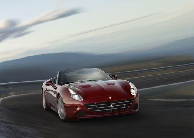 """Ferrari au salon de Genève avec le restylage de la FF et une option """"Handling Speciale"""" pour les plus exigeants"""