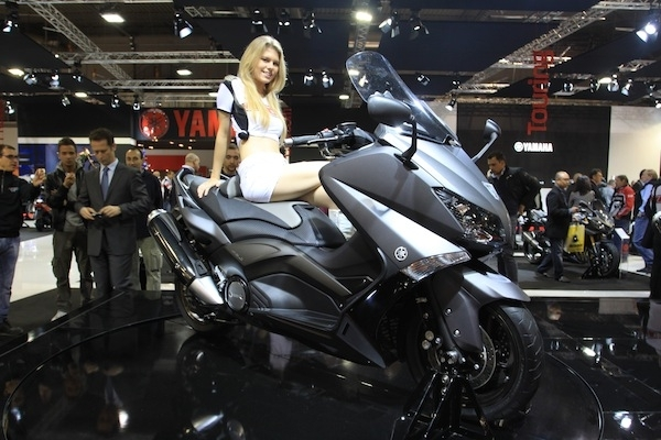 En direct du salon de Milan 2011 : Yamaha T-Max 530 cm3